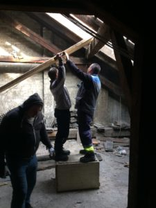 Csúszda építése a padláson